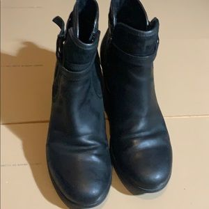 UGG black ankle boots sz 7